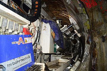 TBM 390E đangthực hiện khoan hầm