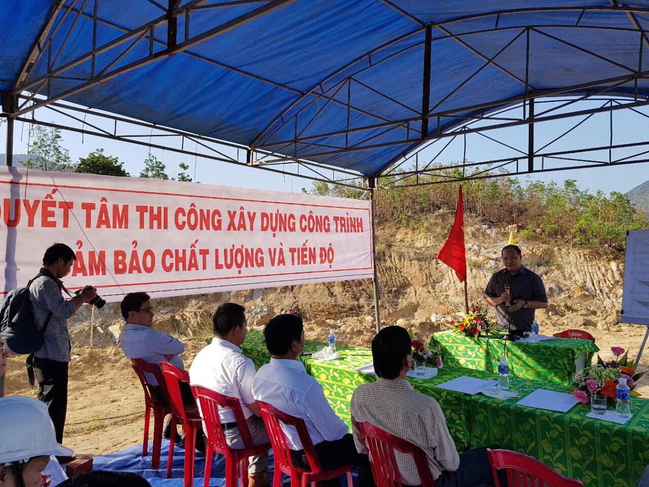 Lãnh đạo Bộ NN & PTNT phát biểu chỉ đạo tại lễ.