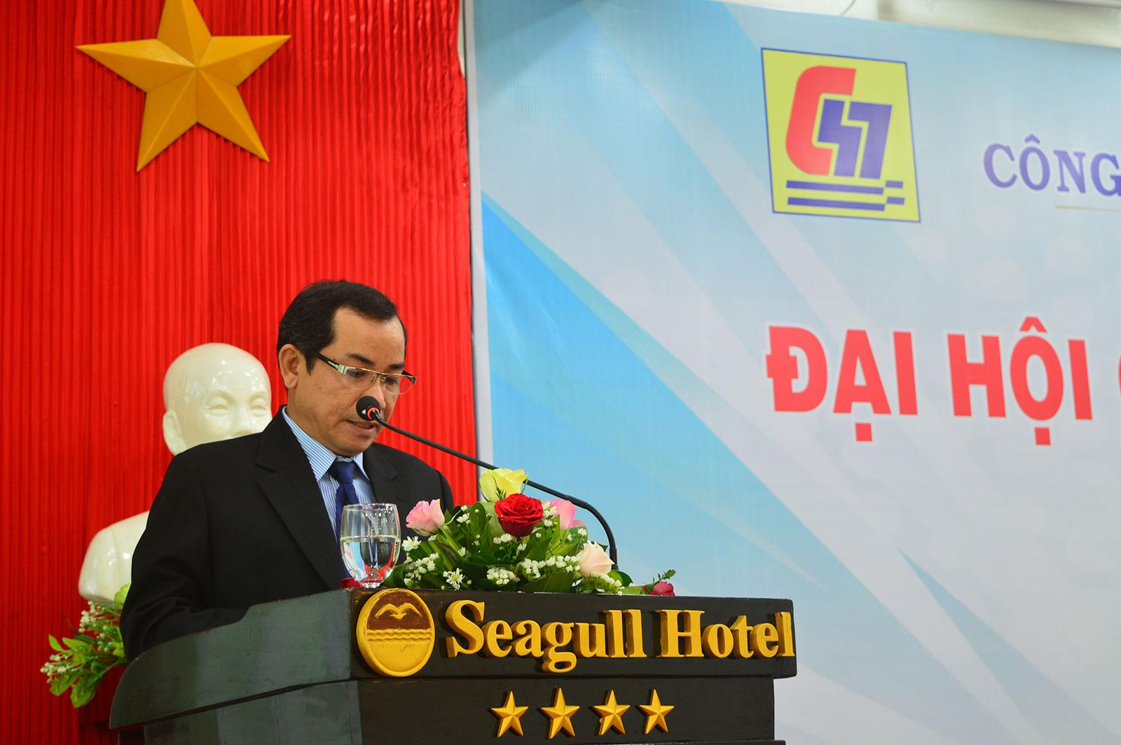Ông Lương Đăng Hào – Trưởng Ban kiểm soát công ty báo cáo tại đại hội.