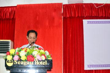 Ông Phùng Văn Viễn – Thành viên HĐQT, Giám đốc Công ty CPTĐ Văn Phong báo cáo tại đại hội