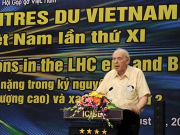 Hội nghị lần này có sự tham dự và trình bày báo cáo khoa học của Giáo sư Jerome Friedman - đoạt giải Nobel Vật lý năm 1990.
