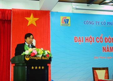 Ông Dương Minh Quang – Tổng GĐ công ty báo cáo tình hình sản xuất 9 tháng đầu năm
