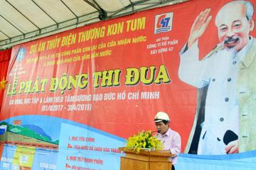 Ông Dương Minh Quang – Tổng Giám đốc Công ty cổ phần xây dựng 47 phát biểu và nhận nhiệm vụ.