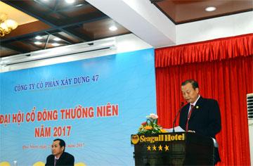 Ông Nguyễn Lương Am – Chủ tịch HĐQT công ty báo cáo tại đại hội