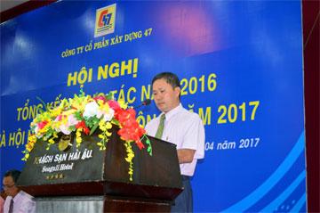 Ông Hồ Đình Phong – Phó phòng Kế toán công ty, báo cáo công khai tài chính, tình hình sử dụng quỹ phúc lợi, quỹ khen thưởng năm 2016