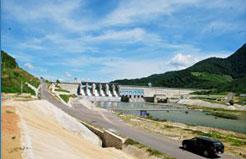 Đập bê tông trọng lực công nghệ đầm lăn (RCC) - Hồ chứa nước Định Bình