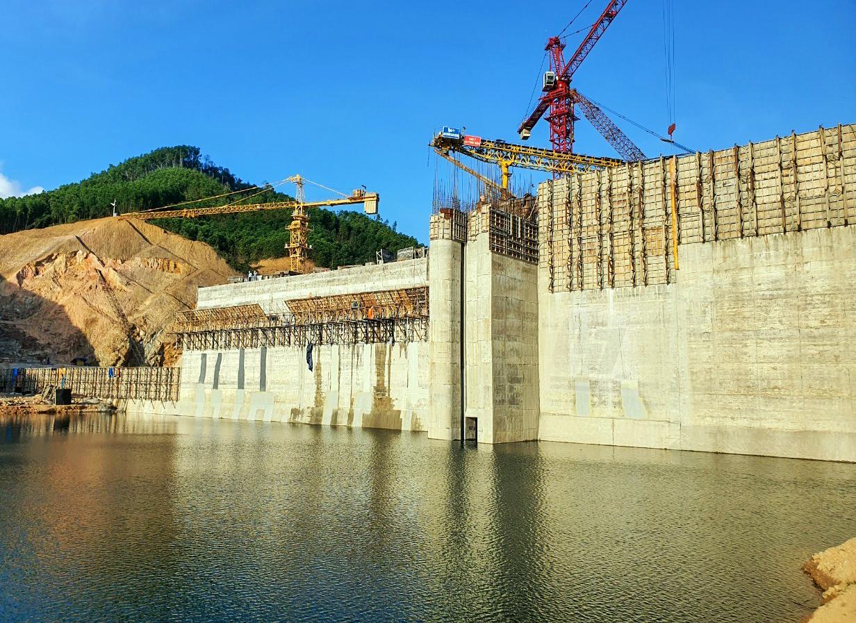 Chùm ảnh công trình hồ Đồng Mít sau Lễ nút cống dẫn dòng, tích nước ngày 8/3/2021
